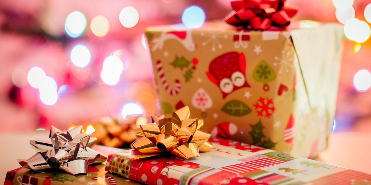 christmas gifts for her 7 christmas ideas for your wife girlfriend
